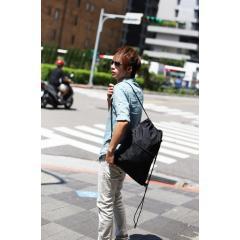 縮口尼龍後背包.普普風束口袋【L1015】(黑色素面)